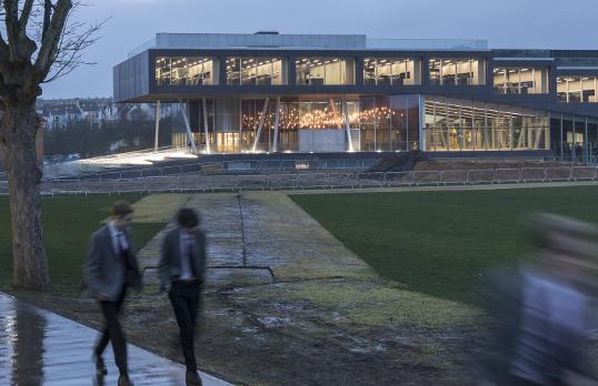 Brighton College - School of Science and Sport © Laurian Ghinitoiu