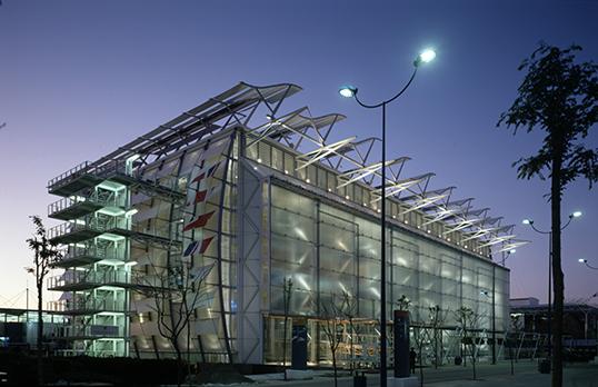 British Pavilion, Expo 92, Seville, at dusk