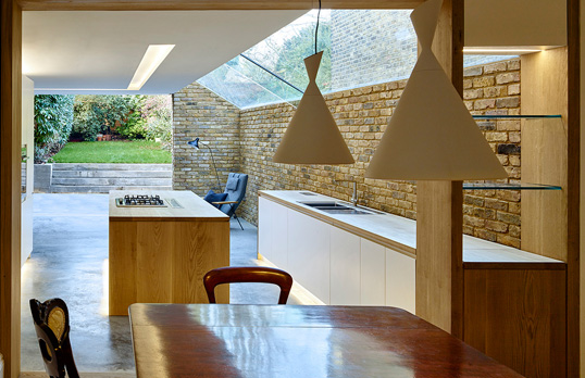modern side extension by timothy soar