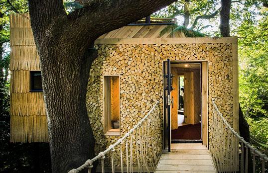 Woodsmans-Treehouse-by-Sandy-Steele-Perkins